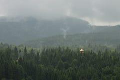 Άσχημος καιρός στα βουνά Στοκ φωτογραφία με δικαίωμα ελεύθερης χρήσης