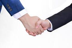 άτομα επιχειρησιακών χεριών ανασκόπησης που τινάζουν το λευκό δύο Στοκ Εικόνα