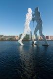 Άτομα μορίων όρθια Στοκ φωτογραφία με δικαίωμα ελεύθερης χρήσης