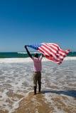 άτομο αμερικανικών σημαιώ&nu Στοκ Εικόνες