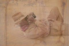 Άτομο ανακαληπτών με την όρφνωση Στοκ Φωτογραφία