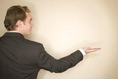 άτομο επιχειρησιακών χεριών έξω στοκ φωτογραφίες