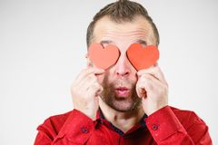 Άτομο ερωτευμένο με τις καρδιές στα μάτια στοκ εικόνα