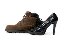 Άτομο και παπούτσια Womans Στοκ φωτογραφία με δικαίωμα ελεύθερης χρήσης