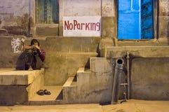 Άτομο και σημάδι Στοκ Φωτογραφίες