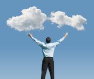 Άτομο και σύννεφα Στοκ φωτογραφία με δικαίωμα ελεύθερης χρήσης