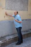 άτομο καρδιών ιλίγγου επί& Στοκ Εικόνα