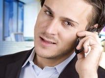 άτομο κινητών τηλεφώνων στοκ εικόνες