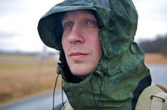 άτομο κουκουλών Στοκ Φωτογραφίες