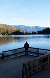 άτομο λιμνών Στοκ εικόνα με δικαίωμα ελεύθερης χρήσης