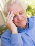 Άτομο με έναν πονοκέφαλο Στοκ φωτογραφία με δικαίωμα ελεύθερης χρήσης
