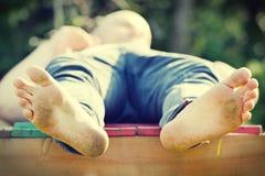Άτομο με τα βρώμικα πόδια Στοκ φωτογραφία με δικαίωμα ελεύθερης χρήσης