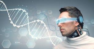 Άτομο με τα φουτουριστικούς γυαλιά και τους αισθητήρες διανυσματική απεικόνιση