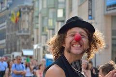 Άτομο με την κλόουν-μύτη Στοκ φωτογραφίες με δικαίωμα ελεύθερης χρήσης