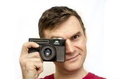 Άτομο με την παλαιά κάμερα Στοκ Φωτογραφία