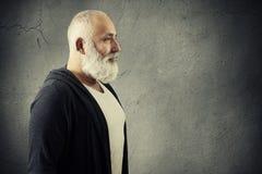 Άτομο με τη γενειάδα με το κενό copyspace Στοκ εικόνα με δικαίωμα ελεύθερης χρήσης