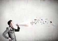 Άτομο με τη σάλπιγγα Στοκ εικόνα με δικαίωμα ελεύθερης χρήσης