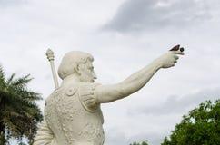 Άτομο με το νησί πουλιών Στοκ Εικόνες