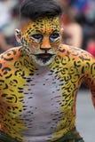 Άτομο με το χρωματισμένο πρόσωπο και σώμα Στοκ Εικόνες