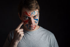 Άτομο με το χρώμα στο πρόσωπό του Στοκ φωτογραφία με δικαίωμα ελεύθερης χρήσης