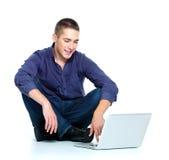 Άτομο με το lap-top Στοκ Εικόνες