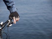 Άτομο που βάζει στα φρένα Στοκ εικόνες με δικαίωμα ελεύθερης χρήσης