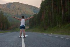 Άτομο που βάζει στο δρόμο Στοκ Εικόνες
