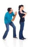 Άτομο που ικετεύει τη σύζυγο στοκ φωτογραφία με δικαίωμα ελεύθερης χρήσης
