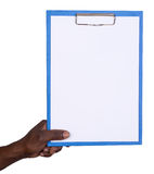 Άτομο που κρατά ένα σημειωματάριο Στοκ εικόνα με δικαίωμα ελεύθερης χρήσης