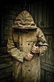 άτομο που κρατά ένα σφυρί Στοκ Εικόνες