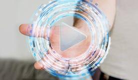 Άτομο που κρατά την ψηφιακή συσκευή αναπαραγωγής πολυμέσων στο χέρι του Στοκ φωτογραφίες με δικαίωμα ελεύθερης χρήσης