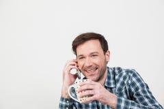 Άτομο που μιλά στο κινητό τηλέφωνο Στοκ Εικόνες