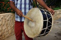 Άτομο που παίζει ένα Tabl, Λίβανος Στοκ Φωτογραφίες