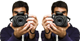 Άτομο που παίρνει μια εικόνα με τη κάμερα SLR, άσπρο υπόβαθρο στοκ εικόνα με δικαίωμα ελεύθερης χρήσης