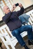 Άτομο που παίρνει μια φωτογραφία με κινητό του Στοκ εικόνα με δικαίωμα ελεύθερης χρήσης
