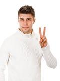 Άτομο που παρουσιάζει σημάδι νίκης Στοκ φωτογραφία με δικαίωμα ελεύθερης χρήσης