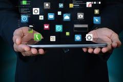 Άτομο που παρουσιάζει app εικονίδια Στοκ φωτογραφία με δικαίωμα ελεύθερης χρήσης