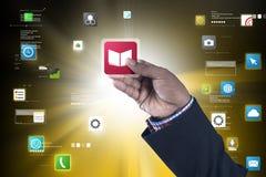 Άτομο που παρουσιάζει app εικονίδιο Στοκ εικόνες με δικαίωμα ελεύθερης χρήσης