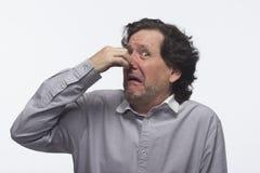 Άτομο που συνδέει τη μύτη, οριζόντια στοκ φωτογραφία με δικαίωμα ελεύθερης χρήσης