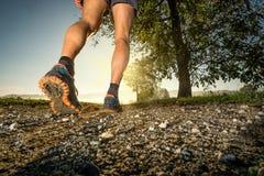 Άτομο που τρέχει στη χώρα Στοκ φωτογραφία με δικαίωμα ελεύθερης χρήσης