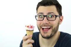 Άτομο που τρώει ένα παγωτό Στοκ φωτογραφίες με δικαίωμα ελεύθερης χρήσης