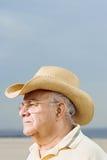 Άτομο που φορά ένα καπέλο κάουμποϋ αχύρου Στοκ φωτογραφία με δικαίωμα ελεύθερης χρήσης