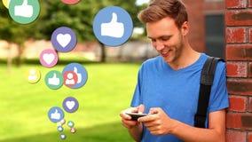 Άτομο που φορά ένα μπλε πουκάμισο με τα ομοειδή κοινωνικά εικονίδια μέσων φιλμ μικρού μήκους