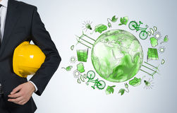 Άτομο που φροντίζει για το καθαρό περιβάλλον, ενέργεια eco, προστασία Στοκ Εικόνα