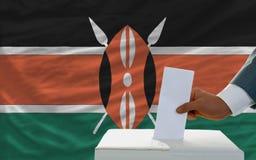 Άτομο που ψηφίζει για τις εκλογές στην Κένυα Στοκ εικόνα με δικαίωμα ελεύθερης χρήσης