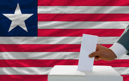 Άτομο που ψηφίζει για τις εκλογές στη Λιβερία Στοκ εικόνες με δικαίωμα ελεύθερης χρήσης