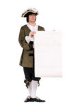Άτομο σε ένα ιστορικό κοστούμι με το διάταγμα στοκ φωτογραφία με δικαίωμα ελεύθερης χρήσης