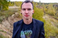 Άτομο σε ένα σακάκι Στοκ φωτογραφία με δικαίωμα ελεύθερης χρήσης