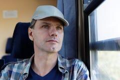 Άτομο σε ένα τραίνο Στοκ φωτογραφία με δικαίωμα ελεύθερης χρήσης