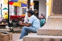 Άτομο σε Plaza σε Mompox, Κολομβία Στοκ Εικόνες